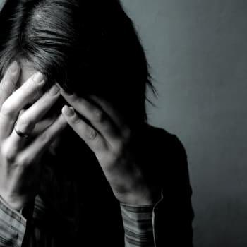 Tiedeykkönen: Ahdistushäiriöt ja skitsofrenia kulkevat suvuissa - ympäristötekijöistä riippuu puhkeaako riski sairaudeksi