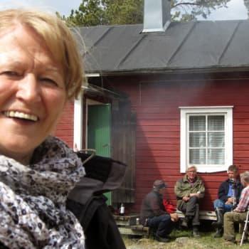 Haapasaari, Kotka: Merivartija, kesäasukkaat, Suomen pienin osuskauppa