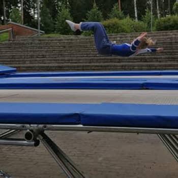 Nosto: Aloita trampoliinivoimistelu peppuhypyillä!