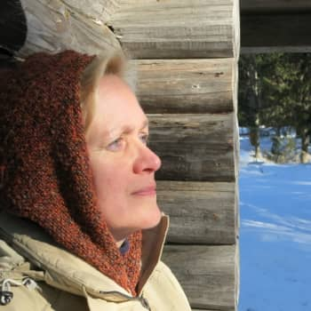 Sunnuntaivieras: Tehokkuustuhosta varoittava professori Jaana Erkkilä määrää vastalääkkeeksi hidasta ajattelua
