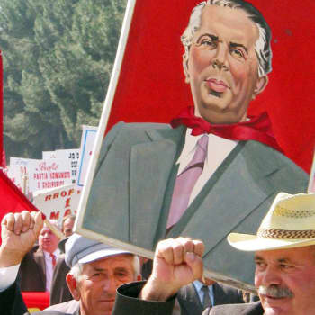 Suuri opettaja Enver Hoxha