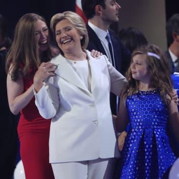 Maailmanpolitiikan arkipäivää: Yhdysvalloissa Hillary Clintonin ehdokkuus rikkoi lasikaton