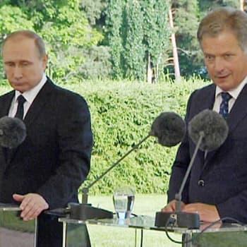 Radio Suomesta poimittuja: Presidenttien tiedotustilaisuus