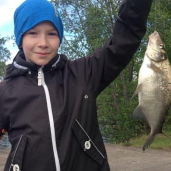 YLE Tampere: Lasten kalastustapahtumassa saatiin saalistakin