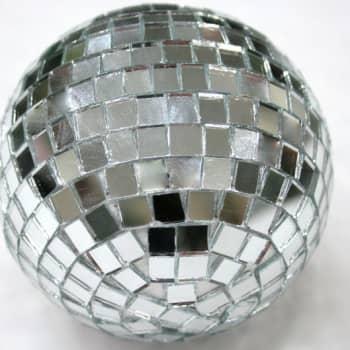Kultakuume: Yli viisikymppisten disco lähestyy teini-ikää