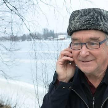Karvalakkilähetystön porukka jäi viimeksi 'Unelma lohen paluusta' -ohjelmassa oikeusministeriön ovelle.