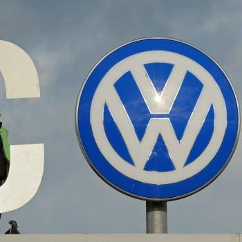 Maailmanpolitiikan arkipäivää: Volkkarihuijaus avaa tietä sähköautoille