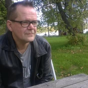 """YLE Häme: Kari Hotakainen: """"Kerran maalaispoika - aina maalaispoika."""""""