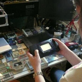 YLE Turku: Elektroniikkapelien keräilijä elää edelleen 80-lukua