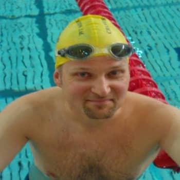 Yövieras: Tuomas Kaario aikoo ylittää Cookinsalmen uimalla