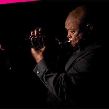 Kaiken maailman musiikkia: Hugh Masekela ei erottele musiikkityylejä