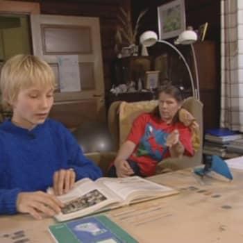Perheen aika: Tuoko kotikoulu lapselle enemmän hyötyä vai vaivaa?