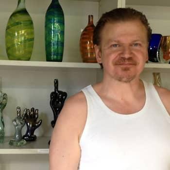 Taiteilijaelämää: Lasinpuhaltaja Tarmo Maaronen