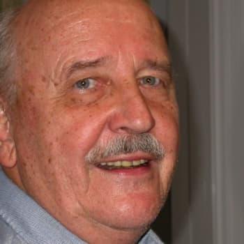 Metsäradio.: Studiossa emeritusprofessori Erkki Lähde