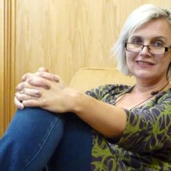 Taiteilijaelämää: Kirjailija Eve Hietamies