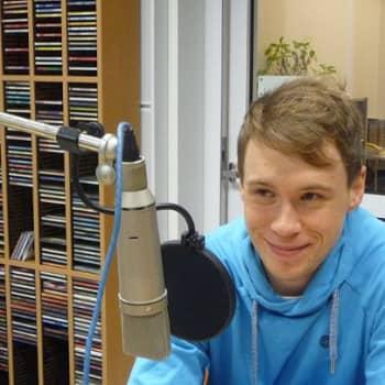 """Yövieras: Felix Zenger pikkupoikien idoli ja """"vanhempien painajainen"""""""