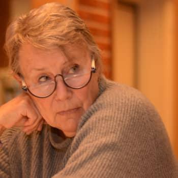 """Hilkka Olkinuora har ensamhet som yrke: """"Se inte ensamhet som ett stigma, det är en del av livet"""""""