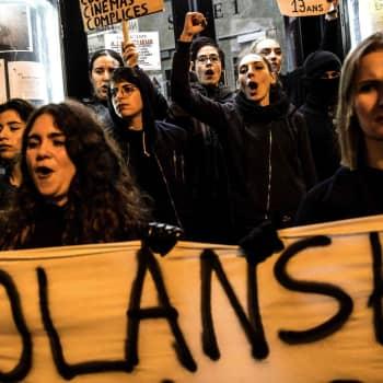 Protesterna mot Roman Polanski tilltar i Frankrike.