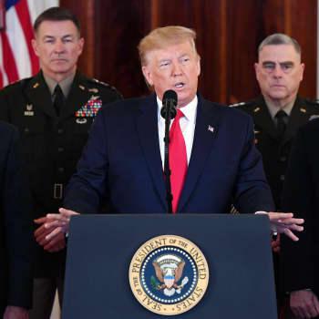 Maailma huokaisi helpotuksesta, kun presidentti Donald Trump jätti vastaamatta Iranin ohjusiskuihin - mihin kriisi nyt kulkee?
