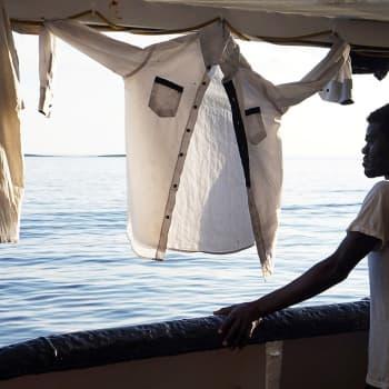 EU:n politiikka ajaa siirtolaisia vaaraan Saharassa ja Välimerellä