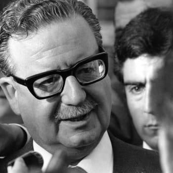 Allenden puolesta ja Allendea vastaan