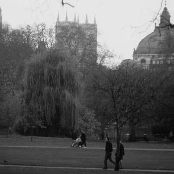 Iltakävelyllä Lontoossa - Kummitusjuttua ja kauhutarinoita