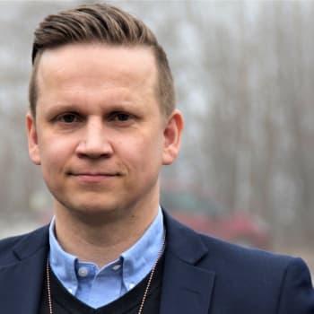 Kriminalkommissarie Mats Sjöholm: Unga tonåringar misshandlade andra unga vid tre tillfällen under en helg i Karis
