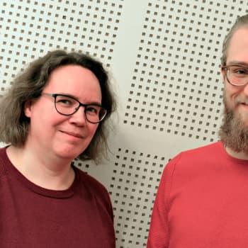 Suomentajatoimittaja Sanna Väre on kääntänyt kaikkea musikaaleista meteorologiseen erikoissanastoon