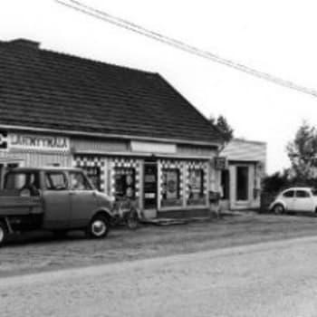 Kyläkaupat sulkivat oviaan 70-luvulla, mutta avajaisiakin vietettiin