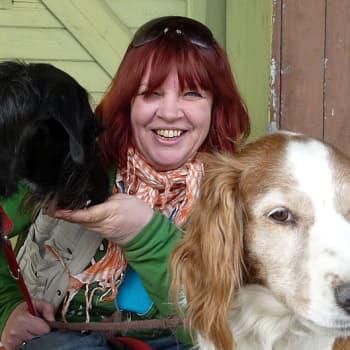 ADHD-aikuinen Merja Ruth laittaisi nykykoulun uusiksi: tunnit 20 minuuttia ja tyhjiä tauluja seinille