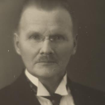 1917 Konrad Lehtimäki ja romaani Ylös helvetistä