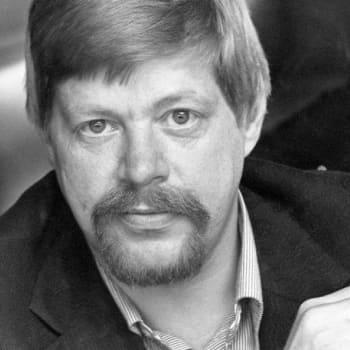 1972 Arto Paasilinna ja romaani Operaatio Finlandia