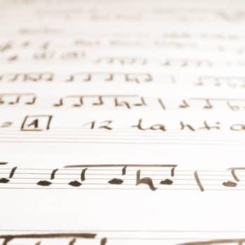 Voiko musiikki lievittää leikkauksen jälkeistä kipua?