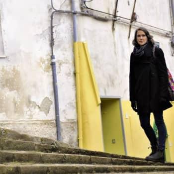 Corona sätter stopp för kindpussar i Italien - Christine Sandberg berättar hur invånarna uppmanas stå en meter från varandra