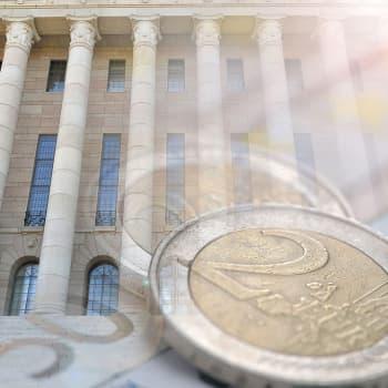 """Politiikkaradiossa arvioitiin koronan talousvaikutuksia Suomessa - """"monilla aloilla tuotanto supistuu 100 prosenttia"""""""