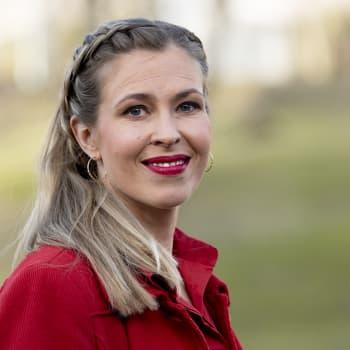 """""""On maagisen hienoa päästä salaisuuden kantamisesta"""", sanoo Elina Kilkku"""