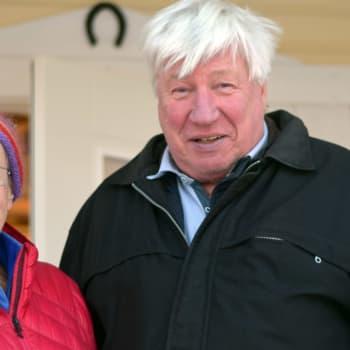 Degerbyborna Lena Selén och Benrdt Gottberg får folkblidningdsmedalj för sitt Porkalaengagemang
