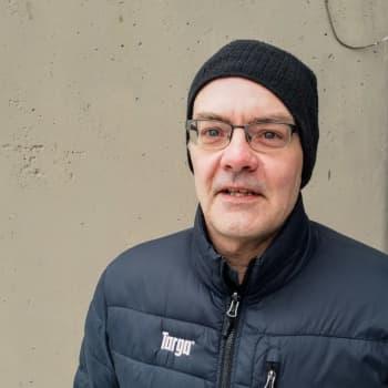Revyveteranen Sören Storbäck underhåller