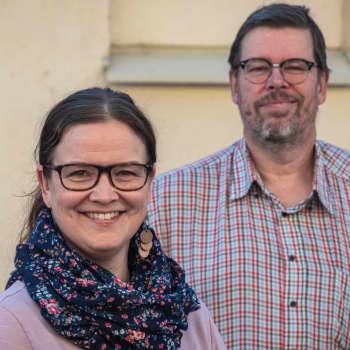 Fredagskaffe med Malin Lönnroth och Mikael Grönroos - vi hjälper Borgå spara 25 miljoner och köper motorsåg i morsdagsgåva
