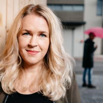 Vega dag med tips på aktuella filmer och tv-serier på Arenan. Musikern Lasse Piirainen bedömer låtar i De Eurovisa