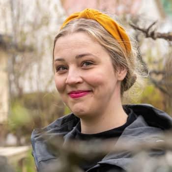 Borgåbon Emilie Adolfsson fick Borgå stads konstnärsstipendium