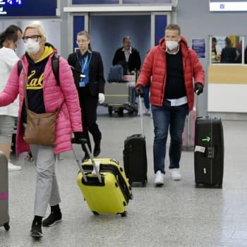 Finnair kräver att alla passagerare använder ansiktsskydd