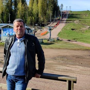 Borgås konditionstrappor i Kokon är snart klara - men hur blir det med simhallen i sommar?