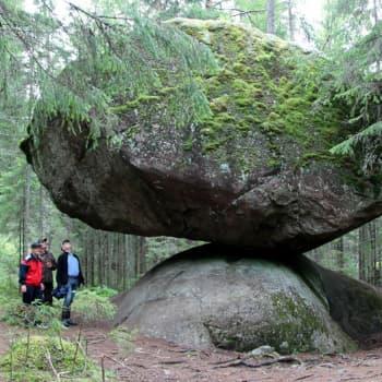 Isoihin kiviin liittyy kiinnostavia tarinoita
