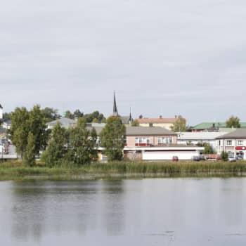 Skräp i parkerna efter valborgsfirandet i Vasa