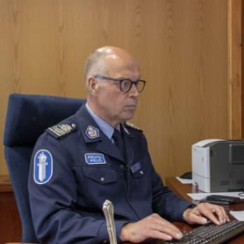 Oulun poliisilaitoksen eläköityvä poliisipäällikkö Sauli Kuha on nähnyt urallaan paljon: vihapuheen määrä kuitenkin yllätti
