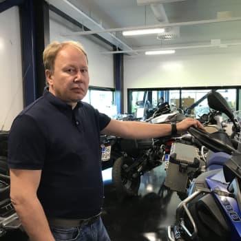 """Moottoripyörien myynti kasvoi yllättäen tänä keväänä: """"Huhtikuussa näytti vielä heikolta"""""""