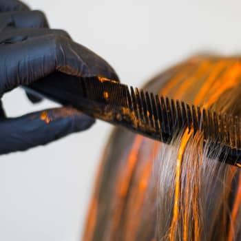 Många väntar med att besöka frisersalongen 2