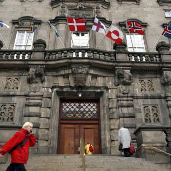 Danmark i coronatryck med Sverige som granne