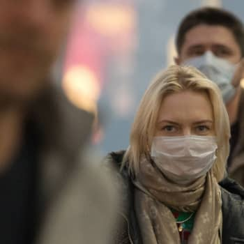 Onko koronavirustilanne Euroopassa ja Suomessa huolestuttava? Johtaja Sosiaali- ja terveysministeriöstä vastaa